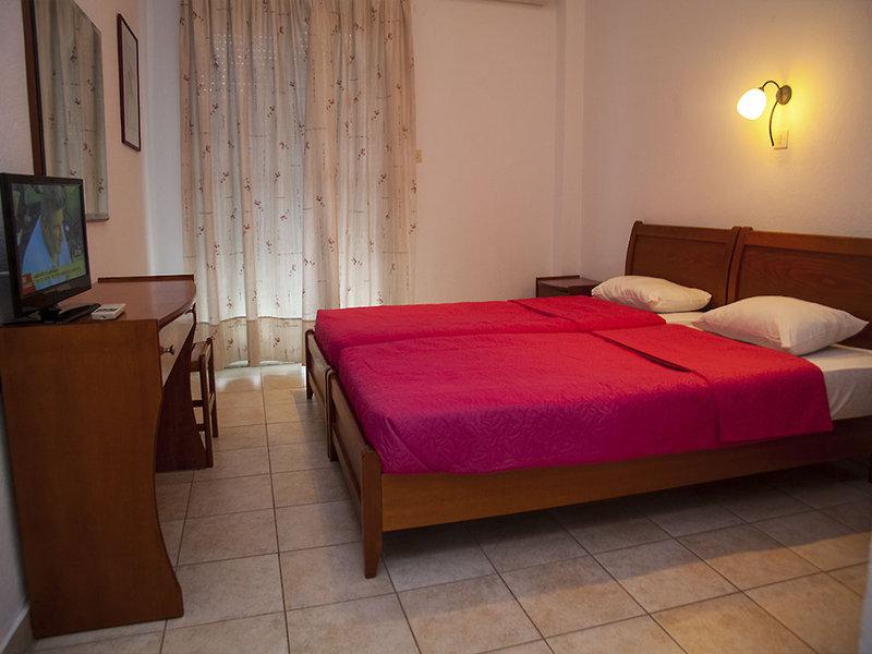 Adonis Hotel in Kryopigi, Chalkidiki