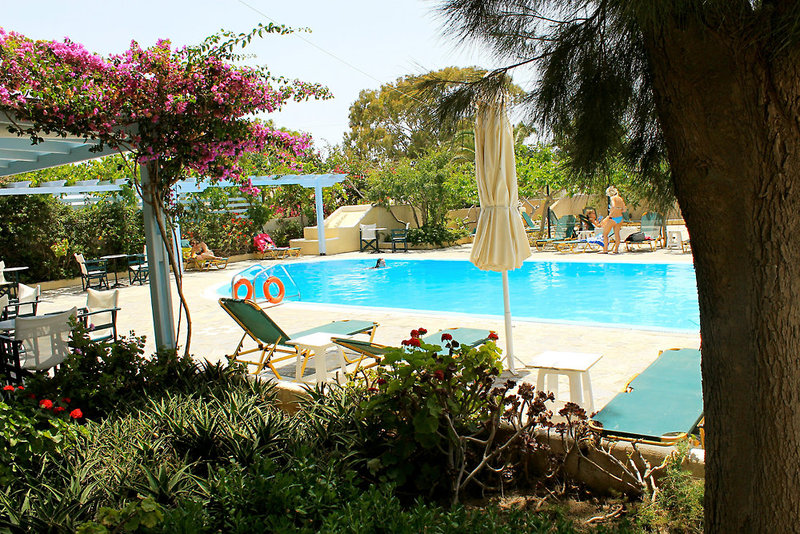 Alia Hotel in Kamari, Santorin P