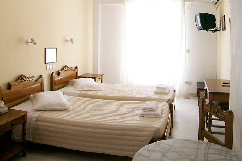 Alia Hotel in Kamari, Santorin W