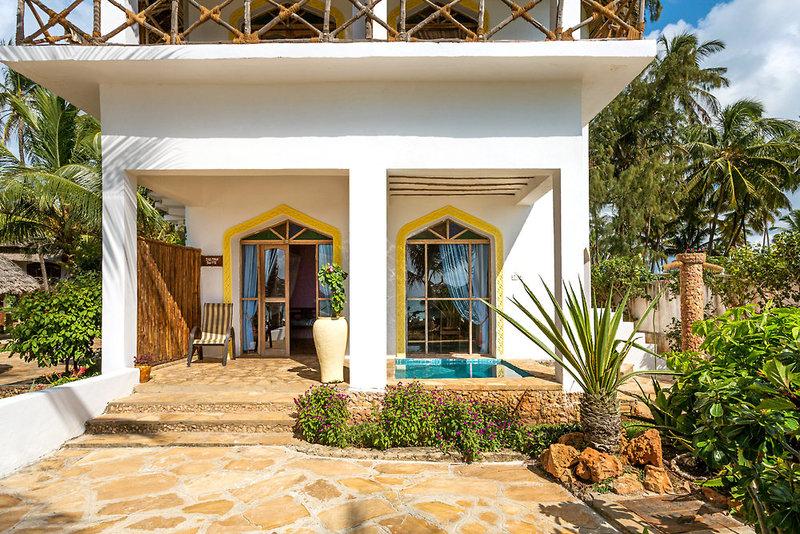 AHG Waridi Beach Resort & Spa in Pwani Mchangani, Tansania - Insel Zanzibar A