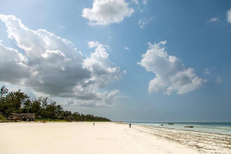 AHG Waridi Beach Resort & Spa in Pwani Mchangani, Tansania - Insel Zanzibar S