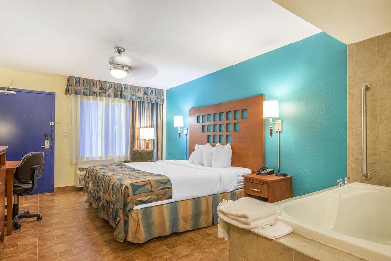 Rodeway Inn & Suites Airport/Cruise Port in Fort Lauderdale, Florida - Ostküste