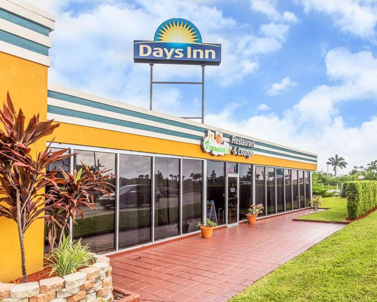 Days Inn Fort Lauderdale Oakland Park in Fort Lauderdale, Florida - Ostküste R
