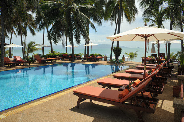 Coco Palm Beach Resort in Maenam, Ko Samui P