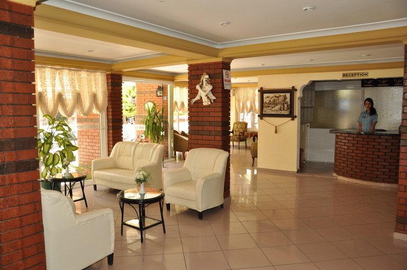 Özcan Hotel in Kleopatra Beach, Türkische Riviera L