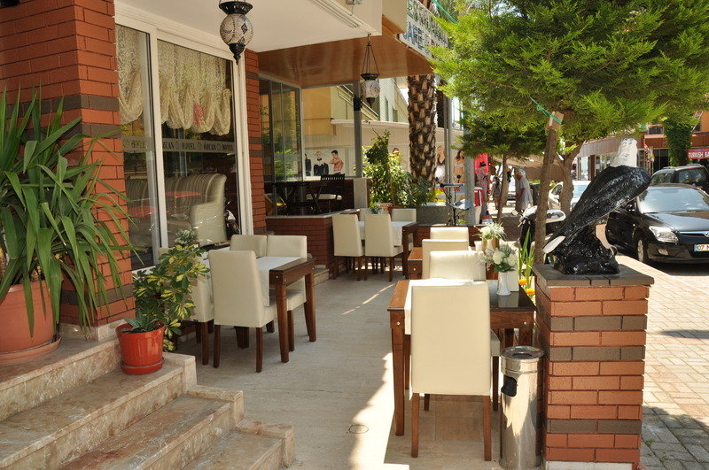 Özcan Hotel in Kleopatra Beach, Türkische Riviera TE