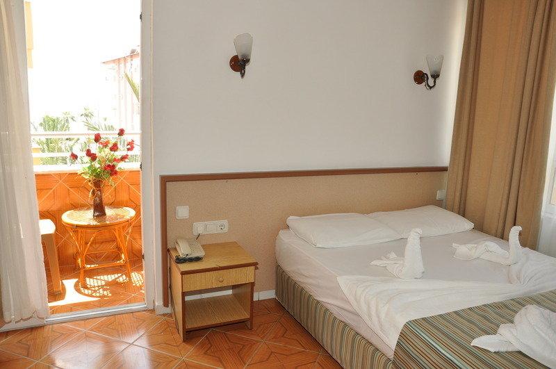 Özcan Hotel in Kleopatra Beach, Türkische Riviera W