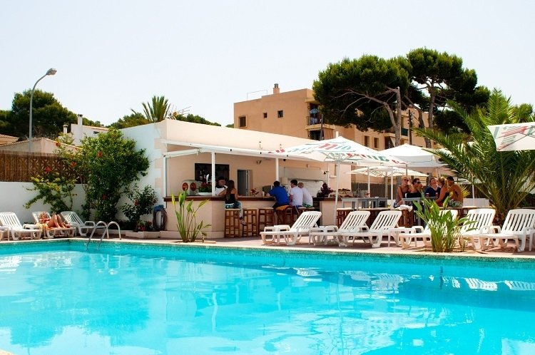 Chevy Hotel in Cala Ratjada, Mallorca P