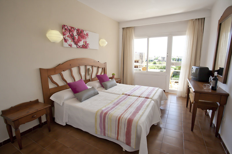 PlayaMar Hotel & Apartments in S'Illot, Mallorca W