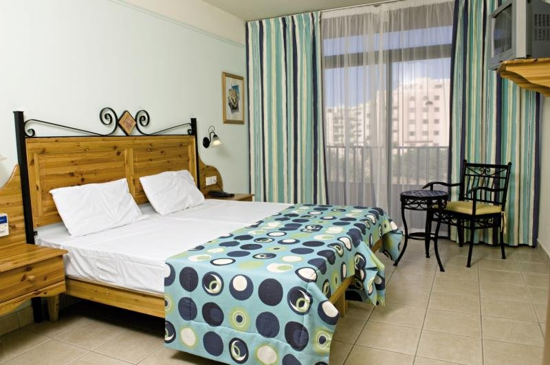 Sunflower Hotel in St. Paul's Bay, Malta W