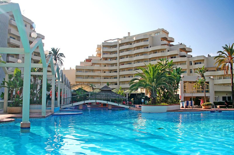 Select Benal Beach in Benalmádena, Costa del Sol P