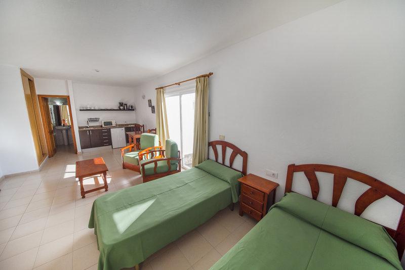 Hotel Tabaiba Center in Costa Teguise, Lanzarote W