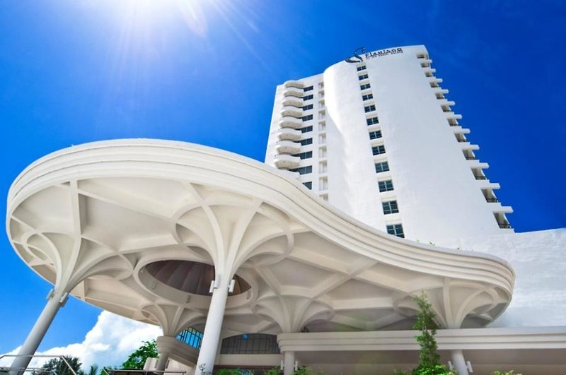 Flamingo Hotel by the Beach in Insel Penang, Malaysia - Pulau Penang A