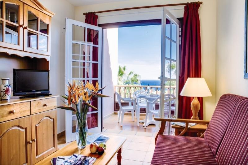 Apartamentos Oasis San Antonio in Playa de Los Cancajos, La Palma W