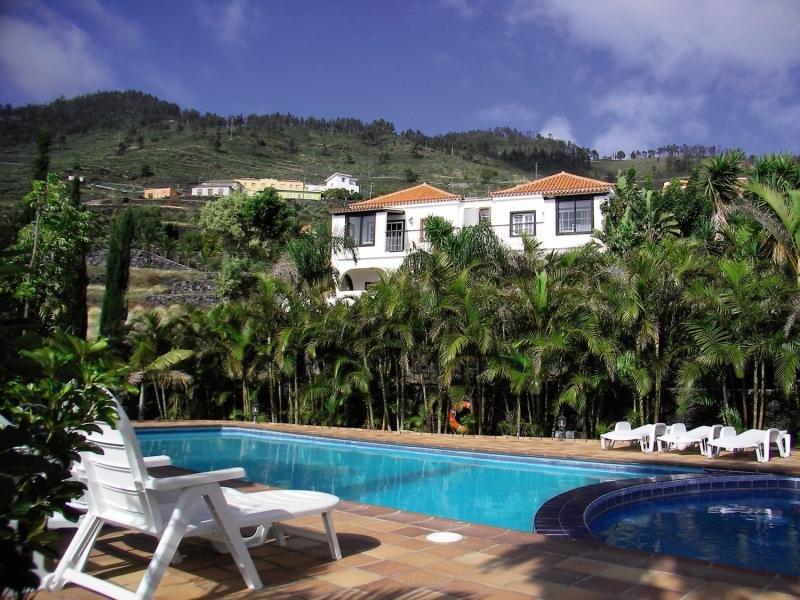 Villa Colon Apartamentos in Los Quemados, La Palma P