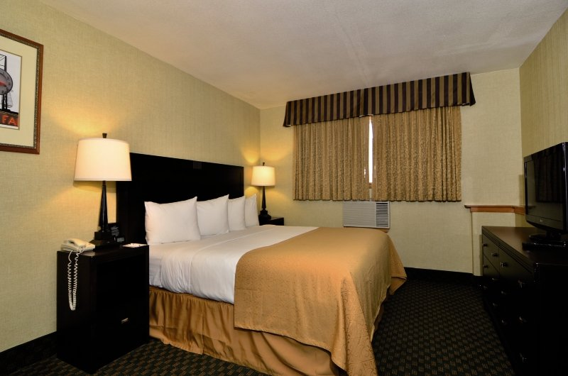 Quality Inn & Suites Seattle Center in Seattle, Washington W