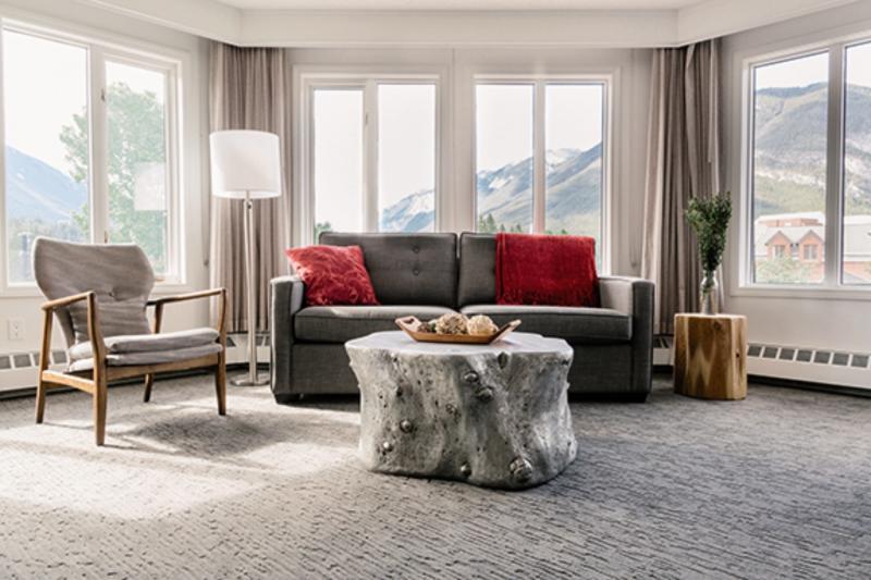 Elk + Avenue Hotel in Banff, Alberta W