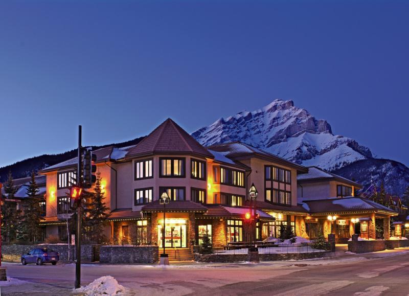 Elk + Avenue Hotel in Banff, Alberta