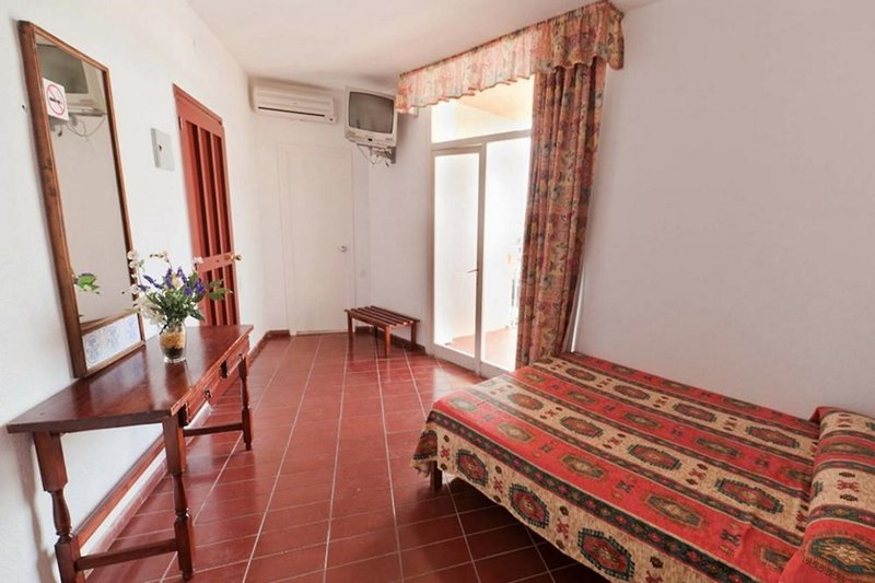 Hotel Piscis in Sant Antoni de Portmany, Ibiza