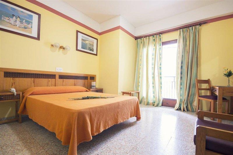 azuLine Hotel S'Anfora & Fleming in Sant Antoni de Portmany, Ibiza W