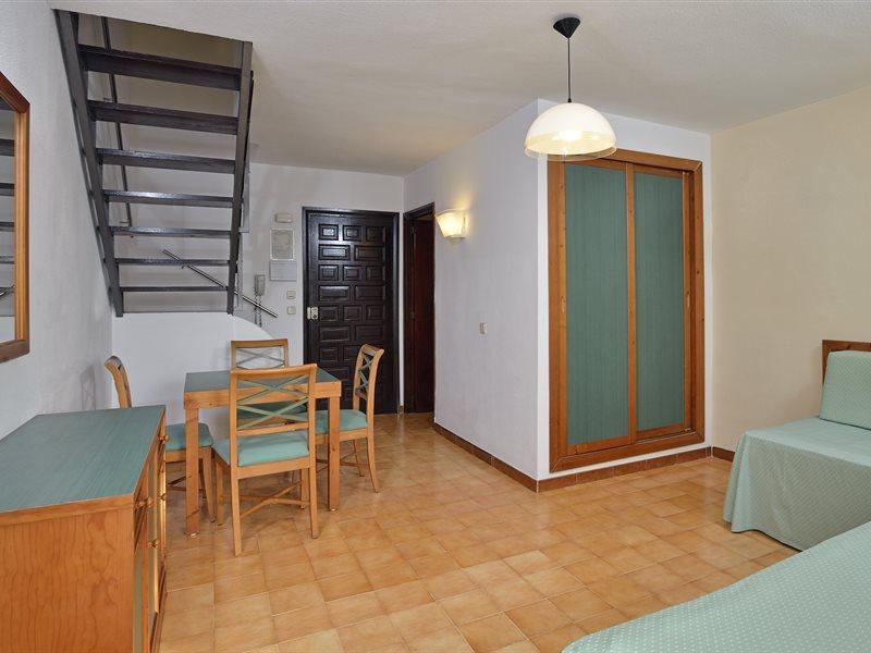 Sol Cala d'Or Apartamentos in Cala d'Or, Mallorca W