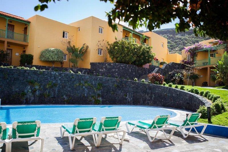 La Caleta Apartamentos in Playa de Los Cancajos, La Palma A
