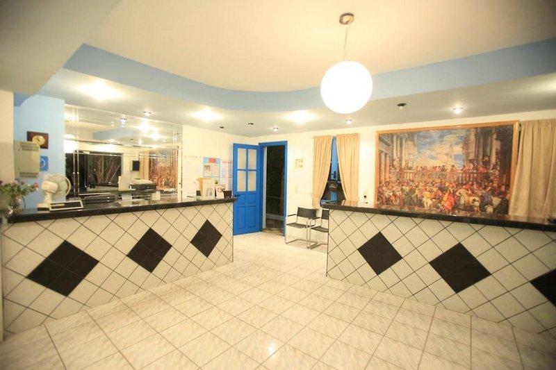 Happy Days Studios in Mália, Kreta L