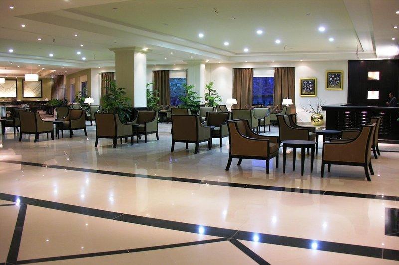 Pyramisa Sunset Pearl Hotel & Apartments in Sahl Hasheesh, Rotes Meer L