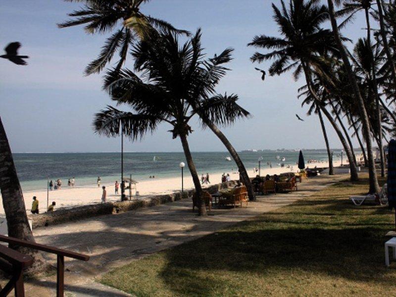 Kenya Bay Beach in Bamburi Beach, Kenia - Küste S