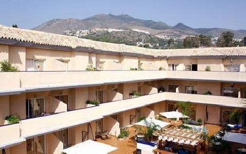 Vista De Rey Hotel Apartamentos in Benalmádena Costa, Costa del Sol A