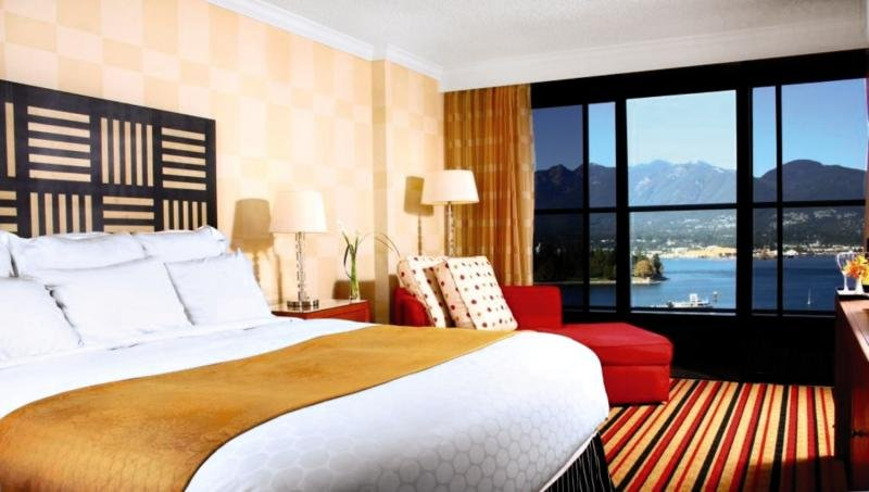 Pinnacle Hotel Vancouver Harbourfront in Vancouver, British Columbia W