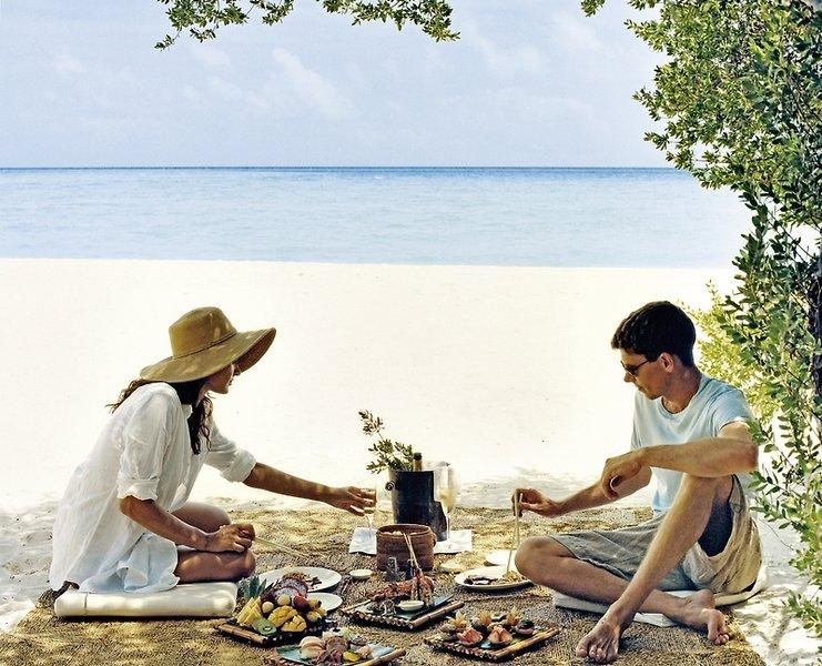 Hochzeitsreise Heiraten im Paradies Malediven Kanuhura Resort & Spa