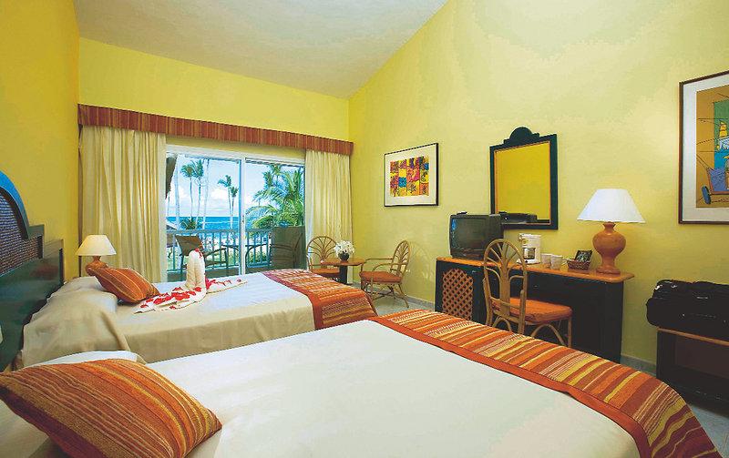 Hotelzimmer mit Volleyball im Grand Sirenis Cocotal Beach Resort
