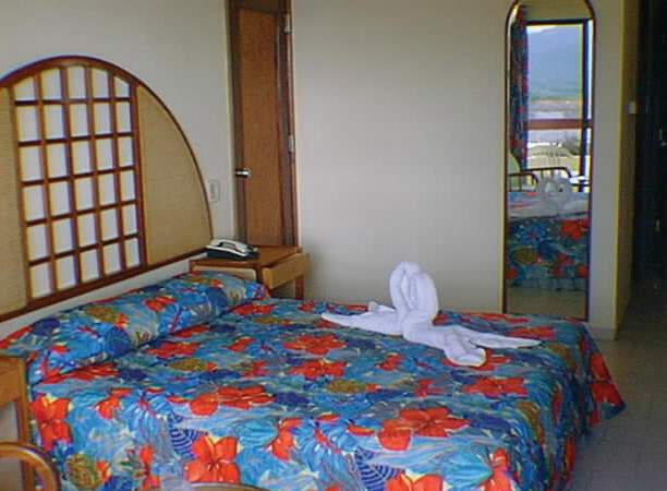 Hotelzimmer mit Mountainbike im Brisas Sierra Mar
