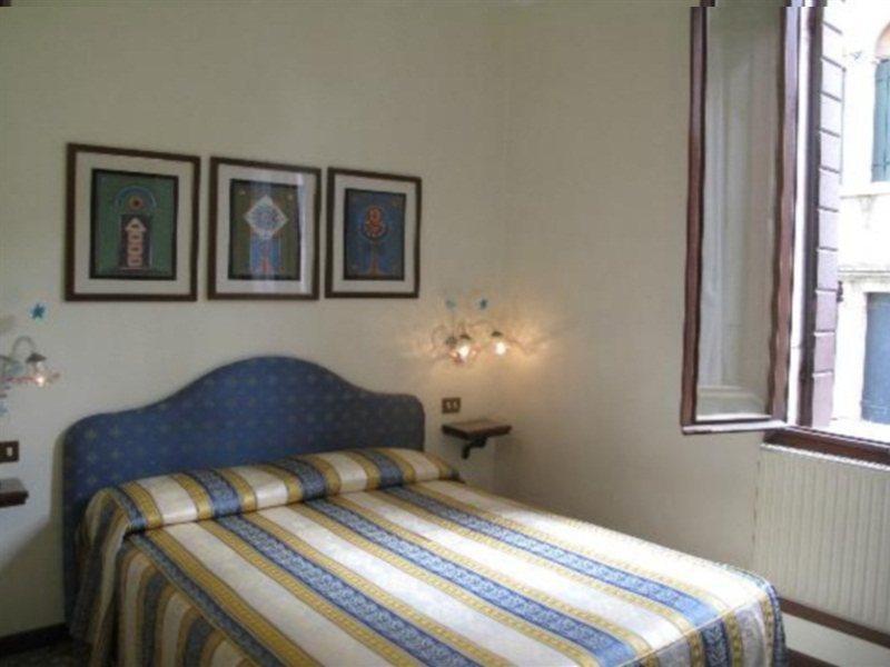 Hotelzimmer mit Internetzugang im Hesperia