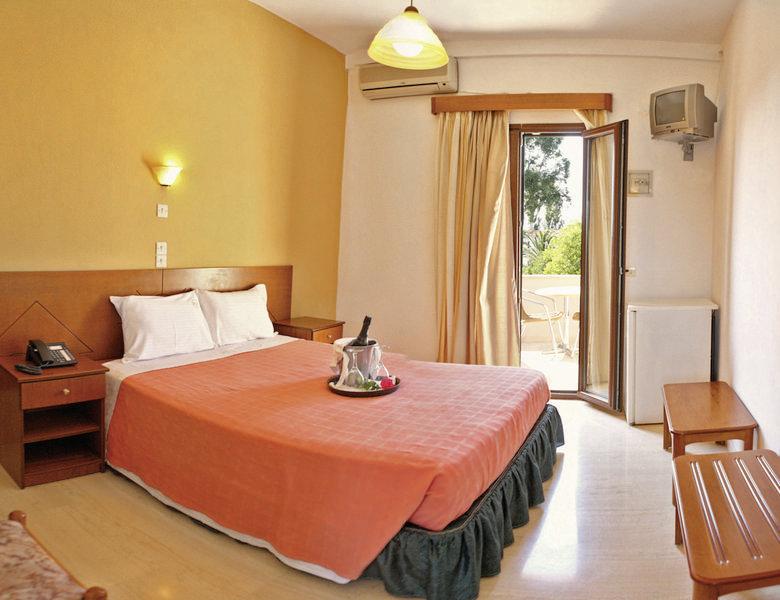 Hotelzimmer mit Tischtennis im Pasiphae Hotel