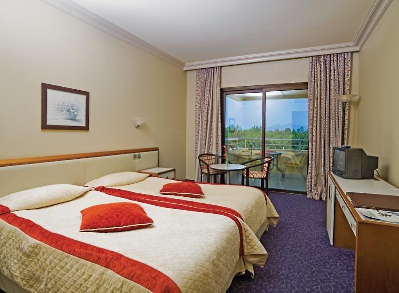 Hotelzimmer mit Golf im Bellis Deluxe Hotel