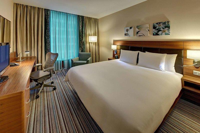 Hotelzimmer mit Golf im Hilton Garden Inn Frankfurt Airport