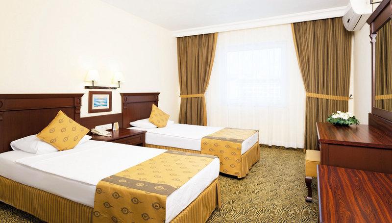 Hotelzimmer mit Volleyball im Royal Garden Suit Hotel