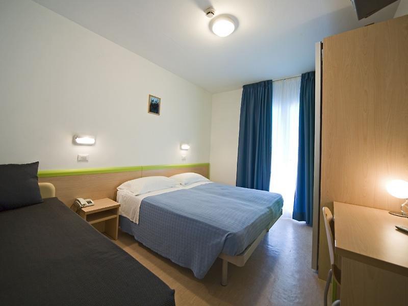 Hotelzimmer mit Sandstrand im Savina