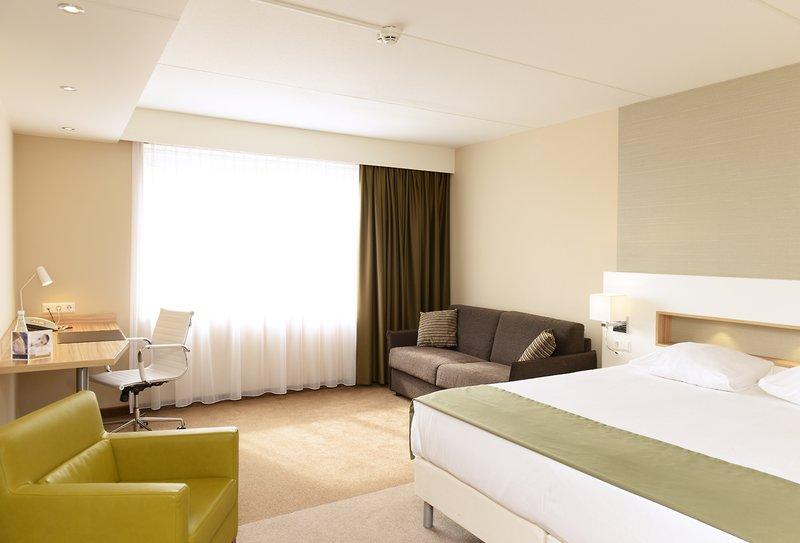 Hotelzimmer mit Internetzugang im Golden Tulip Amsterdam Riverside