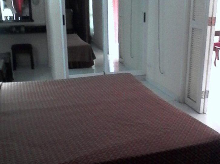Hotelzimmer mit Klimaanlage im Hotel Camagüey