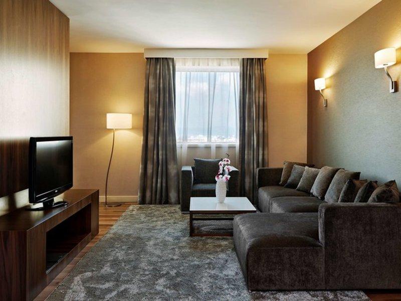 Hotelzimmer im Hilton Sofia günstig bei weg.de