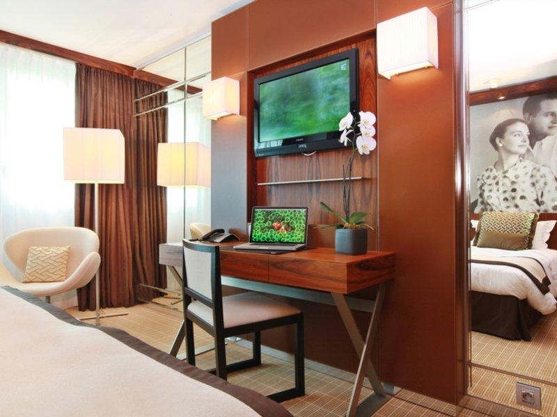Hotelzimmer mit Volleyball im JW Marriott Cannes