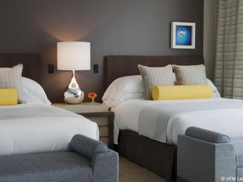 Hotelzimmer mit Pool im Kimpton Hotel Wilshire