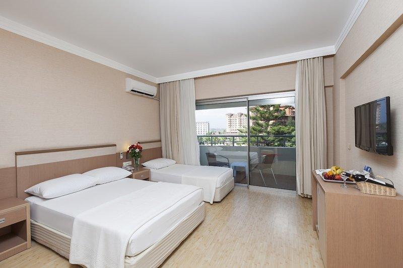 Hotelzimmer mit Volleyball im Hane Hotel