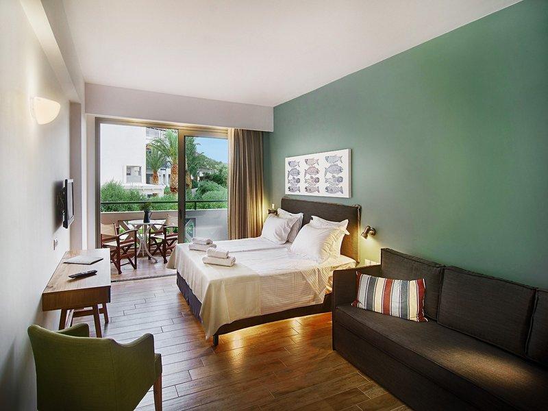 Hotelzimmer mit Tennis im Irini Mare