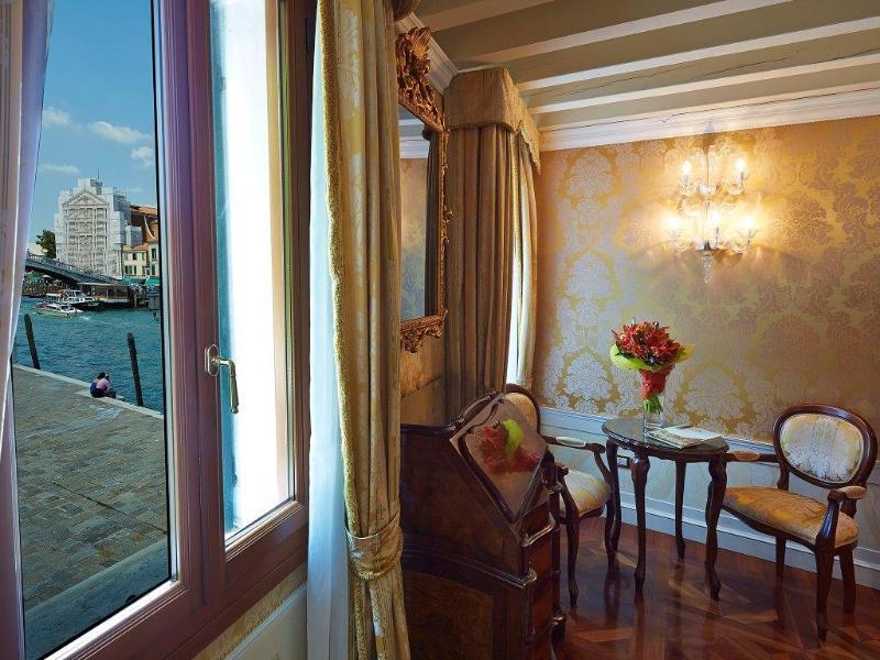 Hotelzimmer mit Tennis im Canal Grande