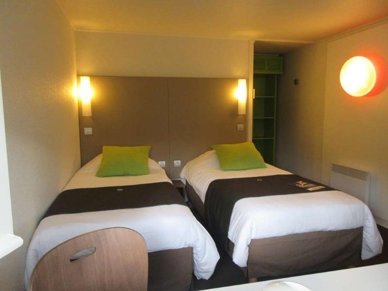 Hotelzimmer mit WLAN im Campanile Bayeux