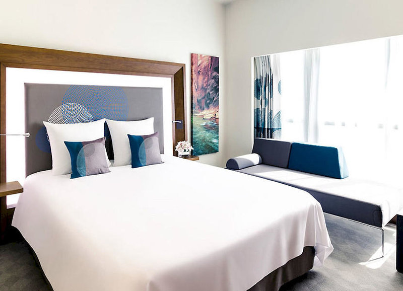 Hotelzimmer mit Mountainbike im Novotel Nuernberg Centre Ville